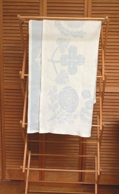 画像2: 北欧雑貨 LAPUAN KANKURIT《ラプアン カンクリ》×鹿児島 睦≪かごしま まこと≫ コットンブランケット 「VILLIKUKKA」 ブルー サイズM(90×140)